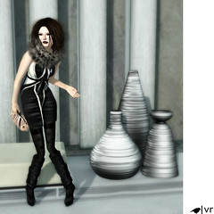 [Urban] Chic (Vixie Rayna) Tags: urban fashion blog mesh avatar style blogger mg sl secondlife blogged chic slouch theloft maitreya pxl gizza slink lovefashion vixierayna scarletcreative lelutka molichino