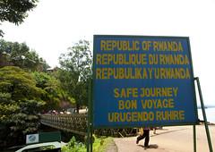 Congo border in Rwanda (Eric Lafforgue) Tags: africa outdoors border rwanda afrika congo commonwealth afrique eastafrica frontiere 1596 centralafrica kinyarwanda ruanda lackivu afriquecentrale  kivulake    republicofrwanda   ruandesa