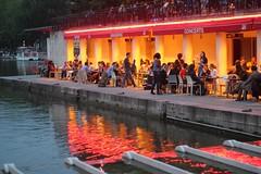 Vesuvius AD 80 (Photocapy) Tags: red orange paris reflection water caf lights restaurant evening abend licht concerts bateau soir parijs alfresco brasserie schip 19e rotondedelavillette womelina