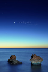 Venus (J. Tiogran) Tags: amanecer dawn estrellas stars venus lucerodelalba morningstar morgenstern mar sea largaexposicin longexposure rocas rocks nikon d5000 nikkor 35mm villajoyosa lavilajoiosa lavila estudiants julin solana serrano alineacin planetaria planetas mercurio saturno