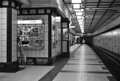 Paracelsus-Bad U-Bahn, Berlin (J@ck!) Tags: berlin station germany underground deutschland blackwhite ubahn kiosk reinickendorf paracelsusbad u8linie rgrmmler