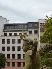 les anges (2) (canecrabe) Tags: ange balcon baroque wroclaw universit architecture