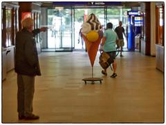 M42 Tomioka 55mm F1,2 @1,2 (/Reality Scanner/) Tags: tomioka cosinon 55mm f12 adapter panasonic lumix gx80 gx85 gf7markii bokeh unschrfe depthoffield schrfentiefe germany hamburg deutschland city urban stadt availablelight summerinthecity guessedbybutschinsky guessedhamburg