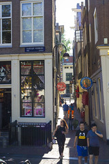 Oudezijds Voorburgwal - Alley View (Wookiee!) Tags: amsterdam 020 nederland the netherlands holland dutch city centre capital hoofdstad nl color colours summer sunny hot warm beautiful raw canon dlsr d550 ef 35mm f2 is usm architecture life street urban red light district pure lust wallen sexshop sex hookers prostitutes prostitution legal amsterdamned xxx wwwgevoeligeplatennl