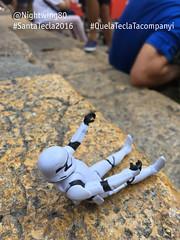 21 Esperant la Baixadeta (Nightwing80) Tags: stormtrooper santatecla 2016 que la tecla tacompanyi starwars festa tarragona twitter