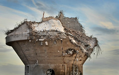 Twiggy (pentlandpirate) Tags: wallerscoteisland brunnermond ici imperialchemicalcompany demolition derelict ruin northwich cheshire sodaash concrete reinforcingsteel industrial