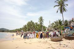 funeral procession (kuuan) Tags: voigtlnder heliar manualfocus mf 15mm aspherical f4515mm bali ubud superwideheliar m39 ltm vietnam centralvietnam funeral procession fishingvillage beach traditional