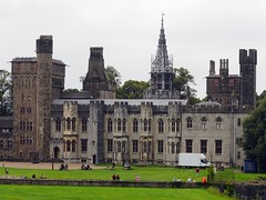 Cardiff, Cardiff (Oxfordshire Churches) Tags: cardiff cardiffcastle castellcaerdydd castles wales cymru panasonic lumixgh3 uk unitedkingdom johnward palaces statelyhomes
