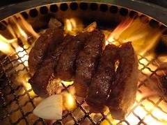 Special Thick Cut Wagyu Beef Loin @Kirakutei, Minami-Azabu, Tokyo (Phreddie) Tags: friends food japan dinner happy fire japanese tokyo yum beef bbq meat delicious eat azabu yakiniku meatclub wagyu kirakutei 121028日本出張
