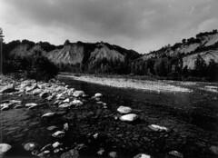 Fiume (Marco Borghi) Tags: darkroom canon landscapes blackwhite paesaggi biancoenero canoneos3 pellicola analogico cameraoscura canon1740lf4 marcoborghi