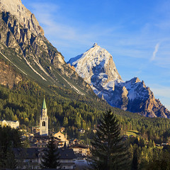 Cortina d'Ampezzo (Pilar Azaa) Tags: city naturaleza color luz montaas mfcc cortinadampezzo nortedeitalia seleccionar natureplus abigfave worldwidelandscapes 100commentgroup alpesdolomitas pilarazaa natureandpeopleinnature esenciadelanaturaleza rememberthatmomentlevel1 rememberthatmomentlevel2 rememberthatmomentlevel3 provinciadebelluno regindelvneto laperladelasdolomitas