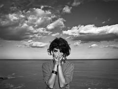 Waking Life (Giuseppe Suaria) Tags: sea portrait sky white black blanco girl clouds mar nuvole mare negro cielo bianco ritratto nero ragazza