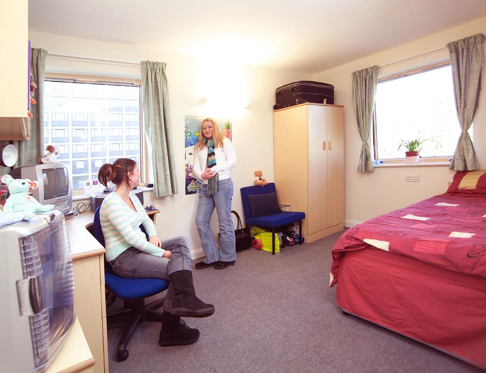 kennenlernen singleton amerikaner hall stuttgart swansea  Swansea Freemasonry, Swansea Freemasonry University Scheme Swansea student was found dead in halls of residence - Wales Online.