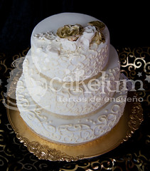 Wedding Cake (HarleyK) Tags: gold chocolate anniversary weddingcake course cumpleaos hdr porrio infantiles airbrush oro piatas regalos fondant 50anniversary weddingplanner goldflower sugarflower elegantweddingcake 50anniversarycake goldweddingcake tartasenespaa cakelum karenlum tartasenporrio tartas3d pedazodeazucar tartasdecoradasengalicia