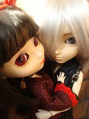 Kira & Yuki (Lunalila1) Tags: outfit kiss doll yuki wig groove pullip kira desing urasawa arion taeyang stica balastegui astunkiki