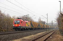 2012.11.25 | 1116 065 | Kelenfld (Davee91) Tags: taurus es64u2 train tehervonat gartner gysev bb gterzug budapest kelenfld railways canon sopron lambach colors electric rails tracks foggy