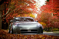 Ryan's Z (Jesus Calles Photography) Tags: seattle autumn fall leaves washington october nissan jesus evergreen stance streetsweeper oem fitted airride weds ryanlee 305z kranze cakefaceclothing