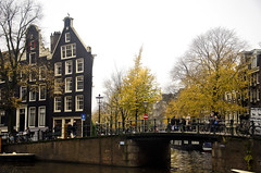 Flat Houses (William J H Leonard) Tags: street city holland building dutch amsterdam architecture buildings canal europe cityscape thenetherlands citylife streetshots streetphotography canals prinsengracht nederlands citycentre noordholland northerneurope canalhouses northholland princescanal