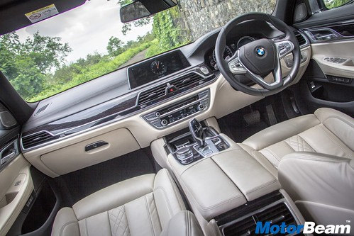 2016-BMW-7-Series-18