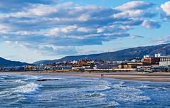 Por la orilla de la mar (Jesus_l) Tags: europa espaa cdiz tarifa playa jessl
