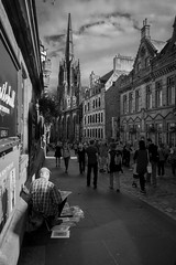 Edinburgh (caracir) Tags: edinburgh scotland streetphotography blackandwhite city painter