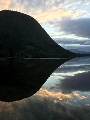 Kveldsscene -|- Evening setting (erlingsi) Tags: erlingsi iphone rotevatn noreg norway volda reflection spegling norwegen lake evening kveld kveldsscene sunset