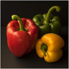 Poivrons RYG (jacques-tati) Tags: poivrons rouge jaune vert red yellox green nourriture vitamines