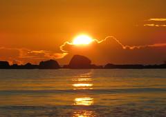 IMG_0036x (gzammarchi) Tags: italia paesaggio natura mare ravenna lidodidante alba sole nuvola riflesso scoglio monocrome