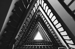 """130/365: geometra de mi infancia..."" (Josune Martin) Tags: escaleras hueco sombras interior"