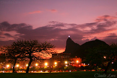 Aterro e Cristo Redentor (  Claudio Lara ) Tags: city morning blue girls light cidade brazil sky people urban tree green luz girl rio azul brasil riodejaneiro architecture night sunrise canon landscape photography dawn bay photo day rj janeiro cidademaravilhosa bresil shot nightshot action live brasilien cristoredentor corcovado fantasia villa sugarloaf podeacar aterrodoflamengo parquebrigadeiroeduardogomes botafogo urca brasile lanscape montain guanabara baiadeguanabara jmj enseadadebotafogo zxc claudiolara fotosnoturnas mirantedonamarta praiadebotafogo botafogobeach 40 jornadamundialdajuventude brazil2014 brasil2014 rio2016 clcrio clcbr christtheredeeme claudiol clccam jmjrio2013 aterrodoflamengobyclaudiolara rionoprdosol clcbrclcrioclaudol