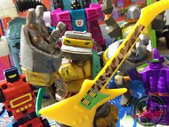 METALHEADS - LOCAL 666.0 UNION i (tOkKa) Tags: wendys tonka powwow renegades oddball 1985 1986 turtlebot t4 2004 1988 snaptrap seacons transformers decepticon piranacon sota roboforce cbstoys metalhead derrickjwyatt robot 2012 tmnt teenagemutantninjaturtles figures toys nickelodeon tokka terrible2zcom gobots playmatestoys playmates tokkustom imagesrctokkaterrible2zcom