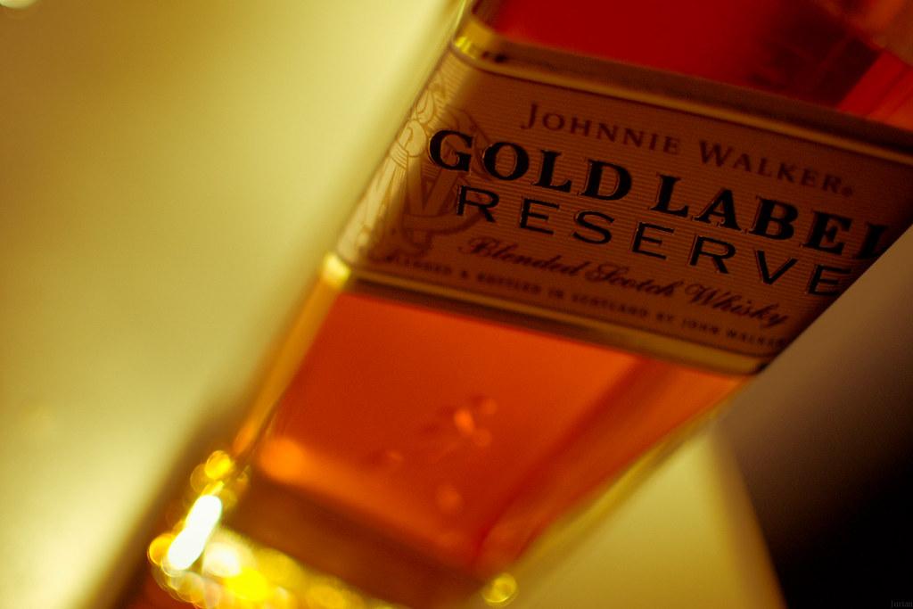 1ac0c50514c0 Johnnie Walker Gold Label (Jur 1989) Tags  gold label walker whisky johnnie