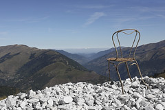Lonely chair #11 (Nitekite) Tags: canon chair frankreich luchon stuhl pyrenen superbagnres lonelychair chemindescrtes nitekite