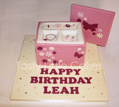 Leahs Jewellery Box Cake a photo on Flickriver