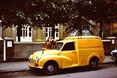 LONDON 1978 July pic14 (streamer020nl) Tags: london car yellow louise 1978 morrisminor morris van