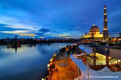 Masjid Putrajaya Blue Hour (Amir Bakhtiar) Tags: mosque bluehour putrajaya putrajayamosque amirbakhtiar amirbakhtiarnet