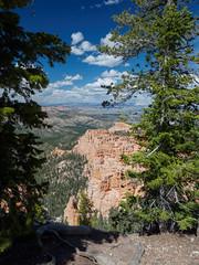Bryce Canyon, Utah (Fizzik.LJ) Tags: brycecanyon utah spring usa pine ut clouds