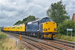 37608/37611. Bessacarr Junction. (Alan Burkwood) Tags: bessacarr doncaster europhoenix 37608 37611 peterboroughderby test train network rail diesel locomotive