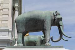 2016/07/28 10h42 Grand Palais (Phra Nakhon) (Valry Hugotte) Tags: bangkok grandpalace grandpalais palaisroyal phranakhon thailand thalande elephant sculpture statue lphant krungthepmahanakhon