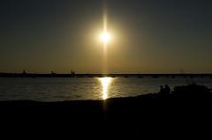 Silhouette von Stralsund (Jan Wasmund) Tags: stralsund kirche kirchen silhouette wasser meer sund water sonne sun schwarz dunkel hell brcke rgenbrcke bridge welle wave pentax k50 drausen outdoor himmel haeven klar sonnenschein sunshine spiegeln spiegelung reflection