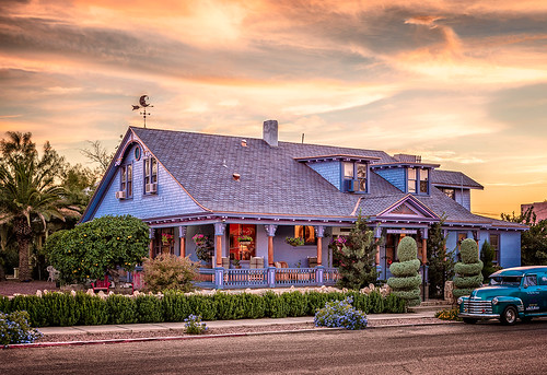 Welcome to The Big Blue House Inn. Tucson bed and breakfast