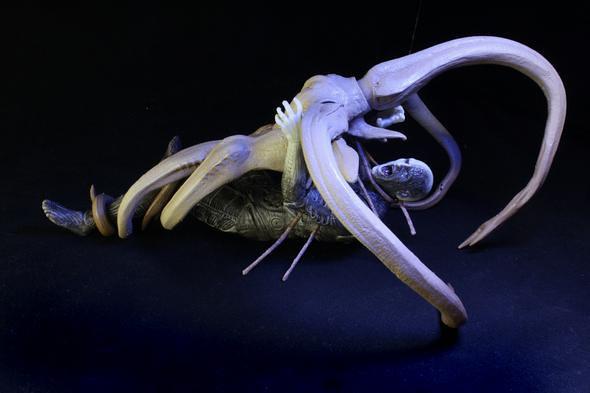 NECA – Toys 'R' Us Exclusive Damaged Engineer vs. Trilobite