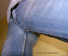 Typen1114 (Tommy Berlin) Tags: men jeans levis bulge