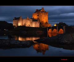 Cartoline dalla Scozia - Postcards from Scotland - Eilean Donan Castle (Jambo Jambo) Tags: panorama castle night landscape scotland castello notte notturno lochalsh dornie scozia lochlong lochduich eileandonancastle jambojambo mygearandme mygearandmepremium mygearandmebronze mygearandmesilver mygearandmegold mygearandmeplatinum samsungwp10