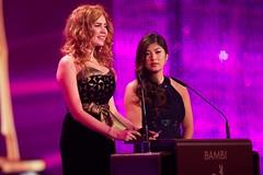 Palina Rojinski und Miss Bambi Nhung (Hubert Burda Media) Tags: media hubert bambi düsseldorf 2012 burda verleihung medienpreis