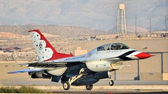 THUNDERBIRDS 4 LANDING /  (bluerain2012) Tags: lasvegas military thunderbirds nellisafb   d3200  aviationnation2012