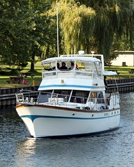 cruise lake toronto ontario canada river boat on konomark