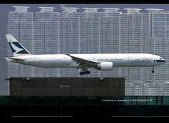 Boeing | 777-367/ER | Cathay Pacific Airways | B-KPK | Hong Kong | HKG | VHHH (Christian Junker | PHOTOGRAPHY) Tags: china plane canon hongkong eos airport asia aviation cx landing airline 7d boeing arrival heavy cathay hkg 100400mm sar bkpk skydeck t2 clk cathaypacific widebody terminal2 planespotting 783 oneworld cheklapkok cpa b777 hkia triple7 25l cathaypacificairways hongkonginternationalairport 36158 vhhh b777300er b773er b77w b777367er christianjunker ahkgap 36158783