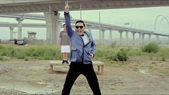 Bench Monday: Gangnam Edition (pikespice) Tags: bench widescreen gimp psy hbm hsm 10millionphotos benchmonday nonposepose soundtrackmonday gangnamstyle