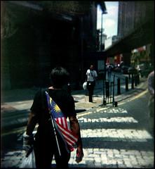 Patriot (khai_nomore) Tags: 120 film mediumformat walkabout scanned kualalumpur 60mm expired extinct outing rm rsm 2400dpi glasslens holga120gn autaut fujifilmnpz800 lebuhampang klanalogcommunity